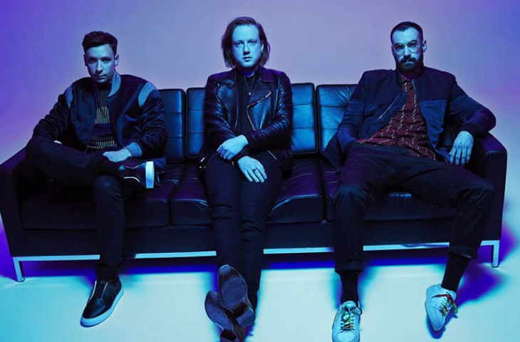 nuevo tema de Two Door Cinema Club