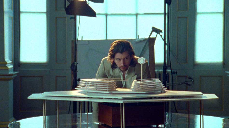 "Arctic Monkeys presentan el vídeo de ""Four Out of Five"""