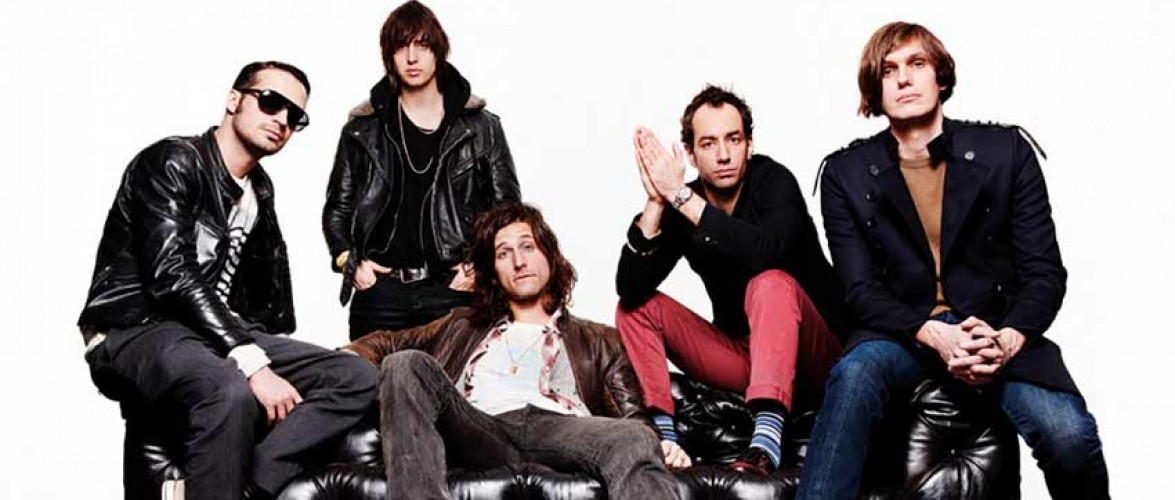 "The Strokes estrenan ""The adults are talking"" en directo"